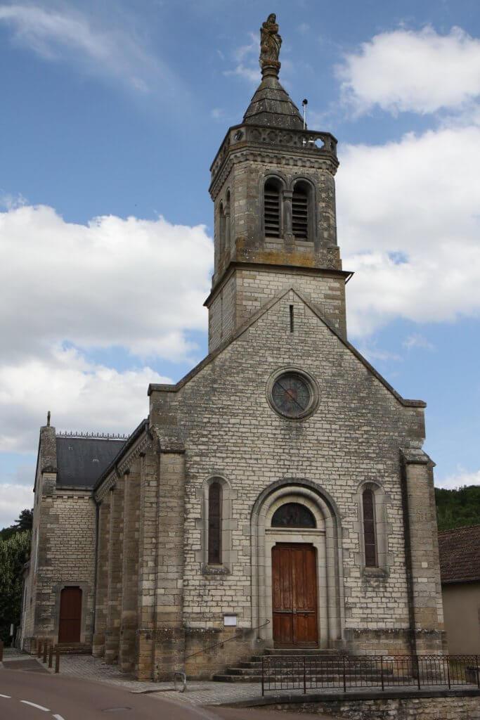 Bourgondische madonna op de kerk van Sainte-Marie-sur-Ouche